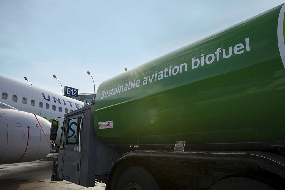 Biggest Sustainable Fuel Agreement in Aviation History: United, Honeywell Invest in New Clean Tech Venture From Alder Fuels