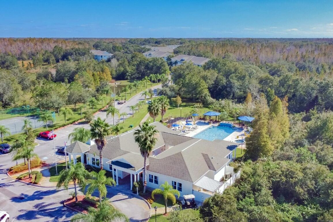 Robbins Property Associates Expands in Florida Market With Acquisition of Century Cross Creek Apartments