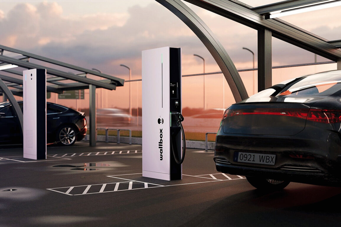 Wallbox Unveils Hypernova Ultrafast Public Charger That Will Fully Charge an Electric Vehicle in Under 15 Minutes